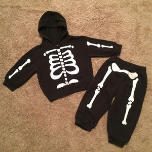 Other - 🏣Fast Shipping🏣 Skeleton Hoodie&Jogger SET 18M